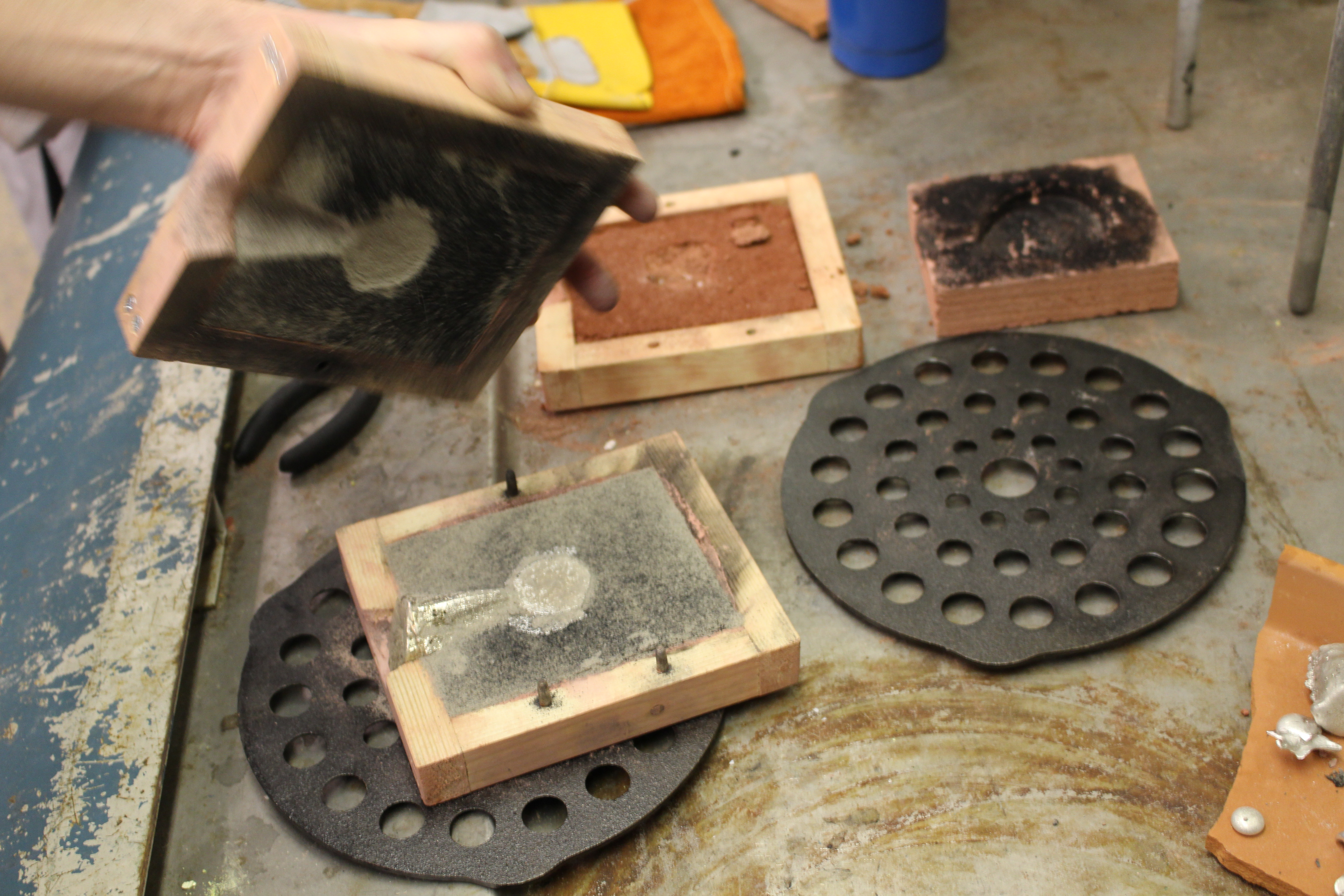One-Sided Hollow Cast Medals – Making and Knowing Project